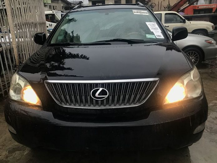 Sleek Lexus RX330 Smart Deal Available